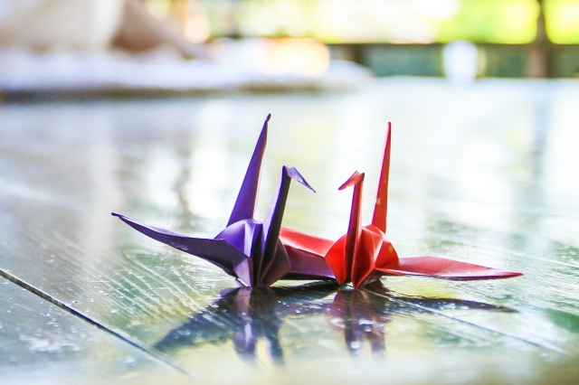 折り鶴のカップル